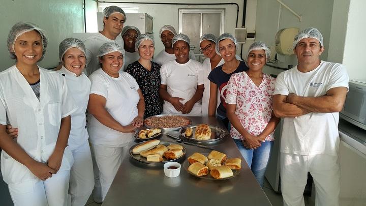 estudantes do campus Pinheiral posando para foto