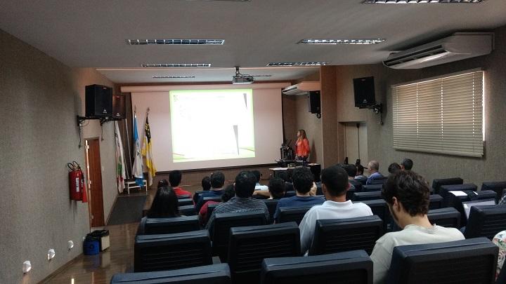 Workshop de Avaliação no auditório do campus Volta Redonda