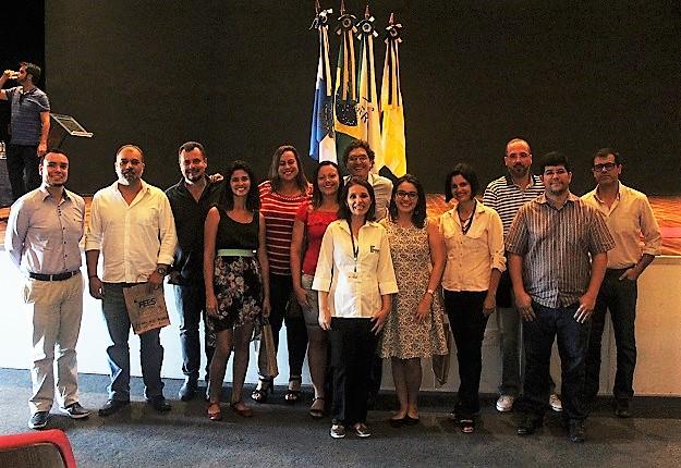 principais autoridades das instituições e representantes do IFRJ posando para foto