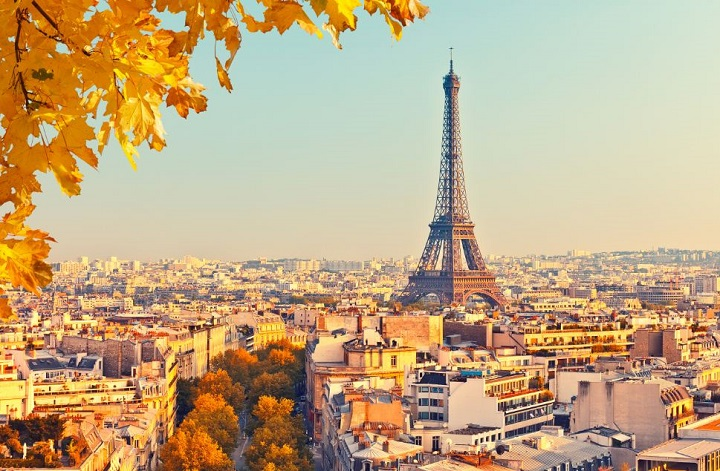 paisagem de Paris, com torre eifel ao fundo