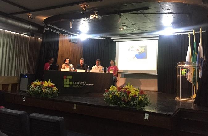 mesa de abertura composta por Lucília Carvalho, Antônio Amaro e Gilcilei Sales