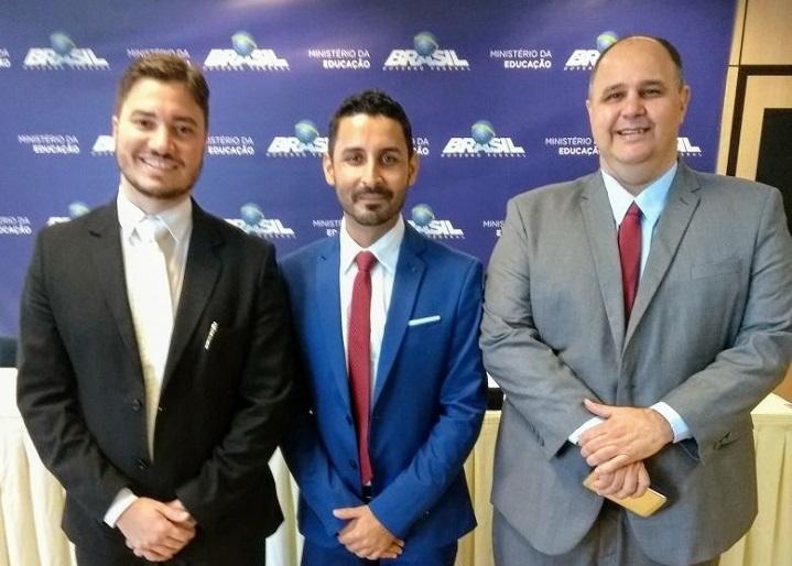 reitor IFRJ Rafael Almada, diretor-geral campus Belford Roxo Fábio Silva e reitor IF Baiano Aécio Costa