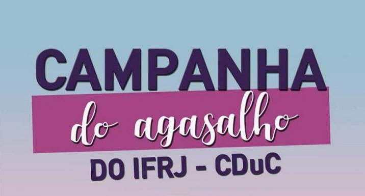 """cartaz em azul, escrita em roxo e branco: """"campanha de agasalho do ifrj cduc"""""""