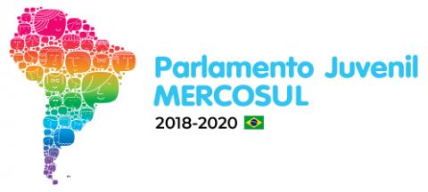 escrita em azul claro e preto, mapa do Brasil colorido