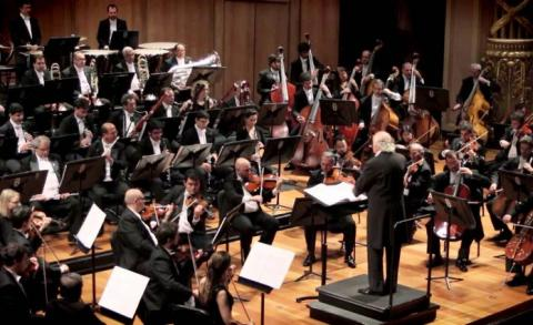 Orquestra durante apresentação